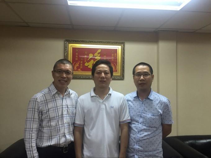 商会会长祁晓云,执行会长郑炳克拜访常务副会长兼财务长蔡炳飞