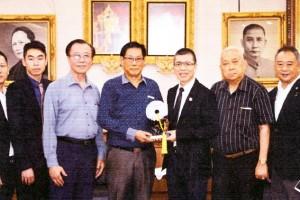 泰国温州总商会祁晓云会长率领代表团访问泰国海南会馆及泰国海南商会